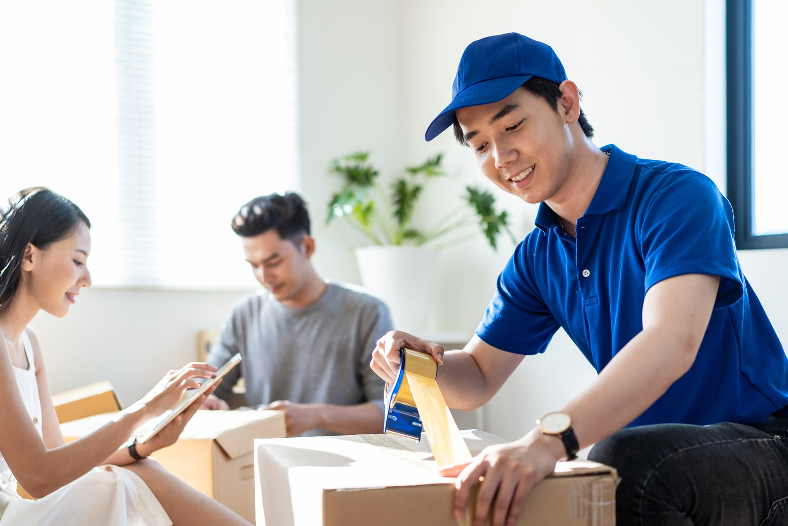 bigstock-House-Moving-And-Packing-Servi-343631272-min