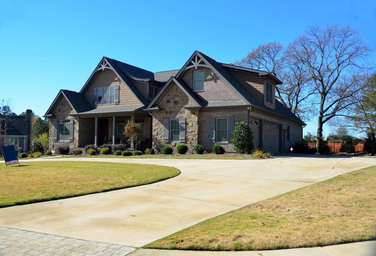 new-home-2419999_1920-1200x817.jpg