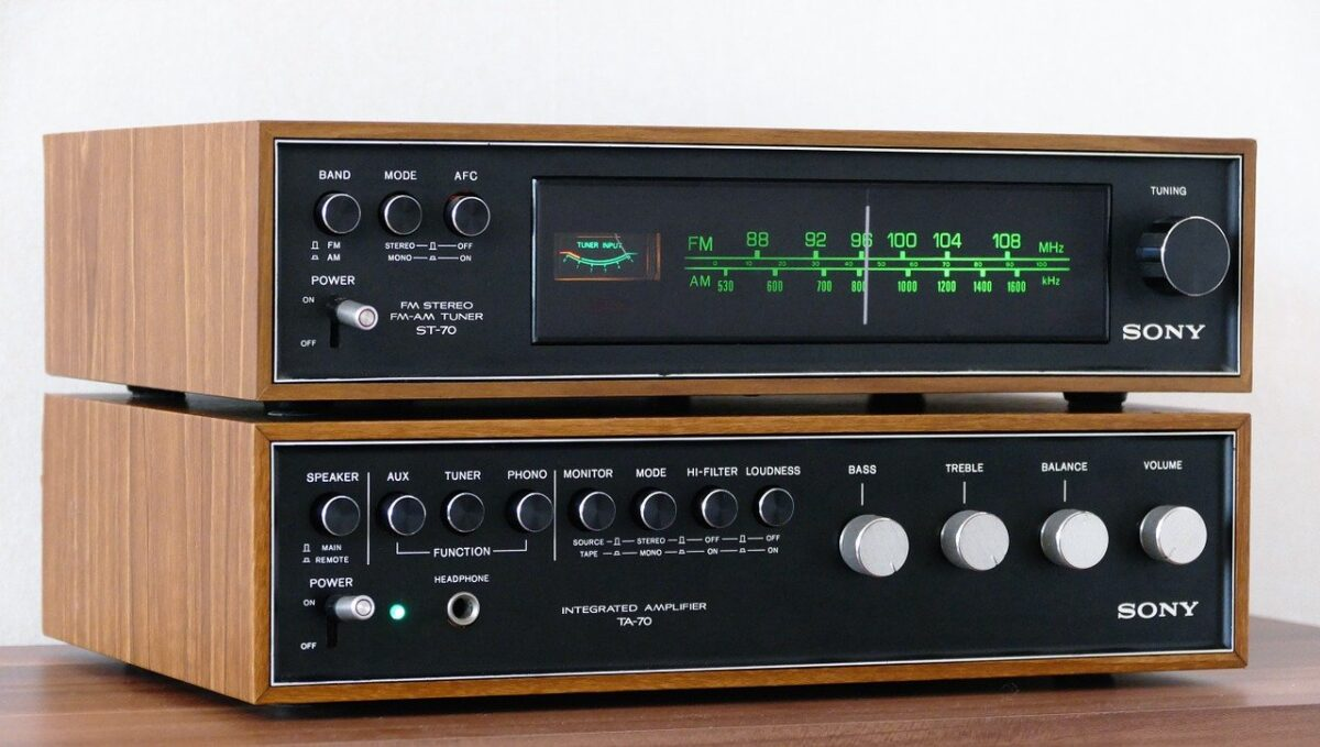 stereo-883186_1280-1200x679.jpg
