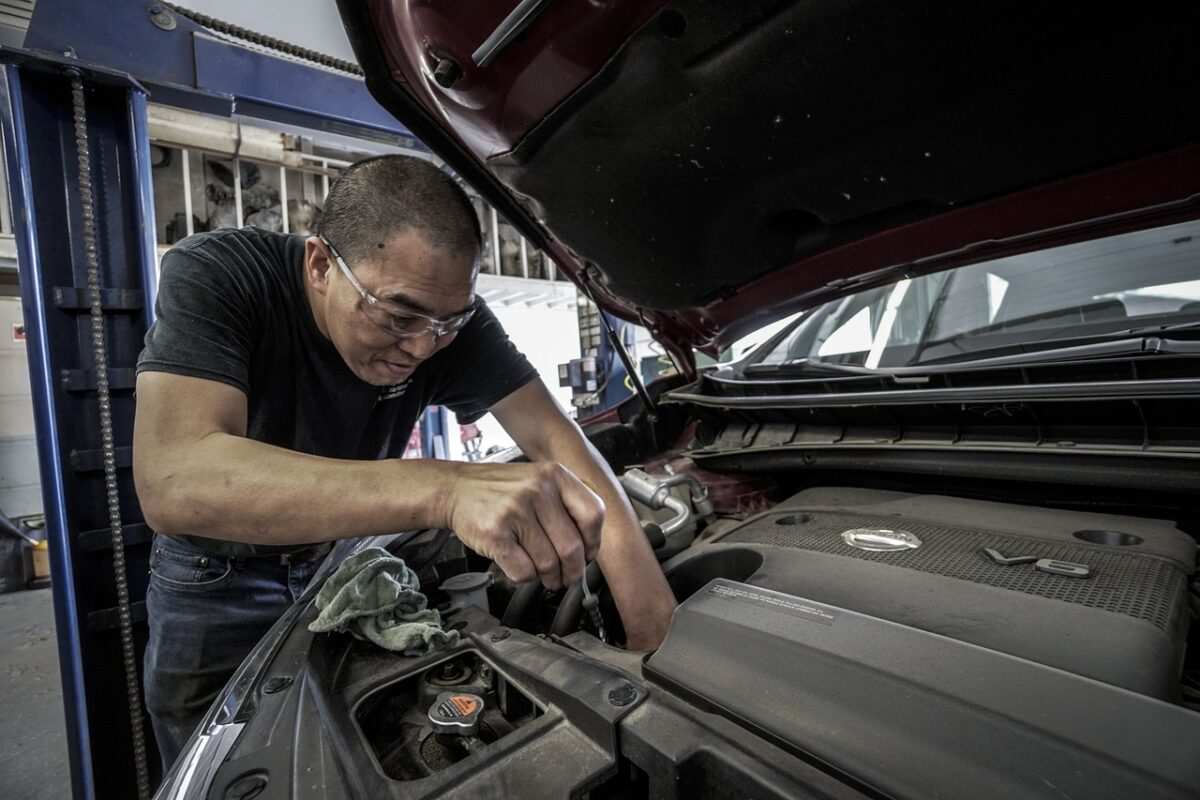 auto-repair-3691962_1280-1200x800.jpeg